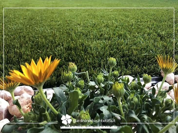 Erba sintetica o naturale: i motivi per scegliere un giardino in erba sintetica